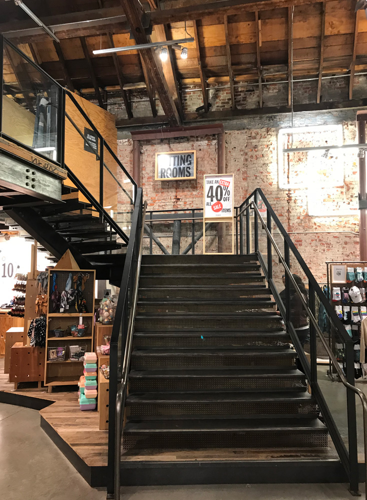 UrbanOutfitters 06
